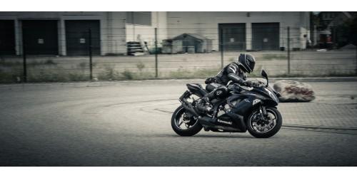 Что входит в экипировку мотоциклиста?
