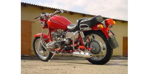 Чим відрізняється класичний дорожній мотоцикл?