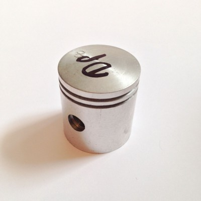 Поршень Д-8 (диаметр 38.00мм 0, 1р, 2р)